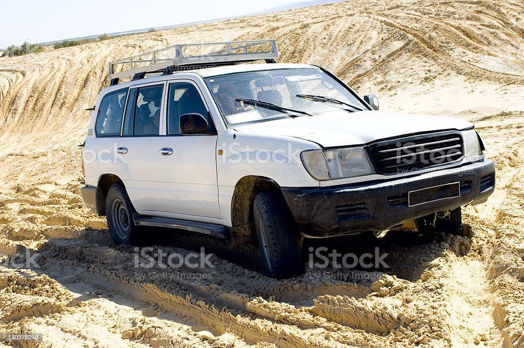 LKW-Safari in der Wüste, Vorderansicht – Foto