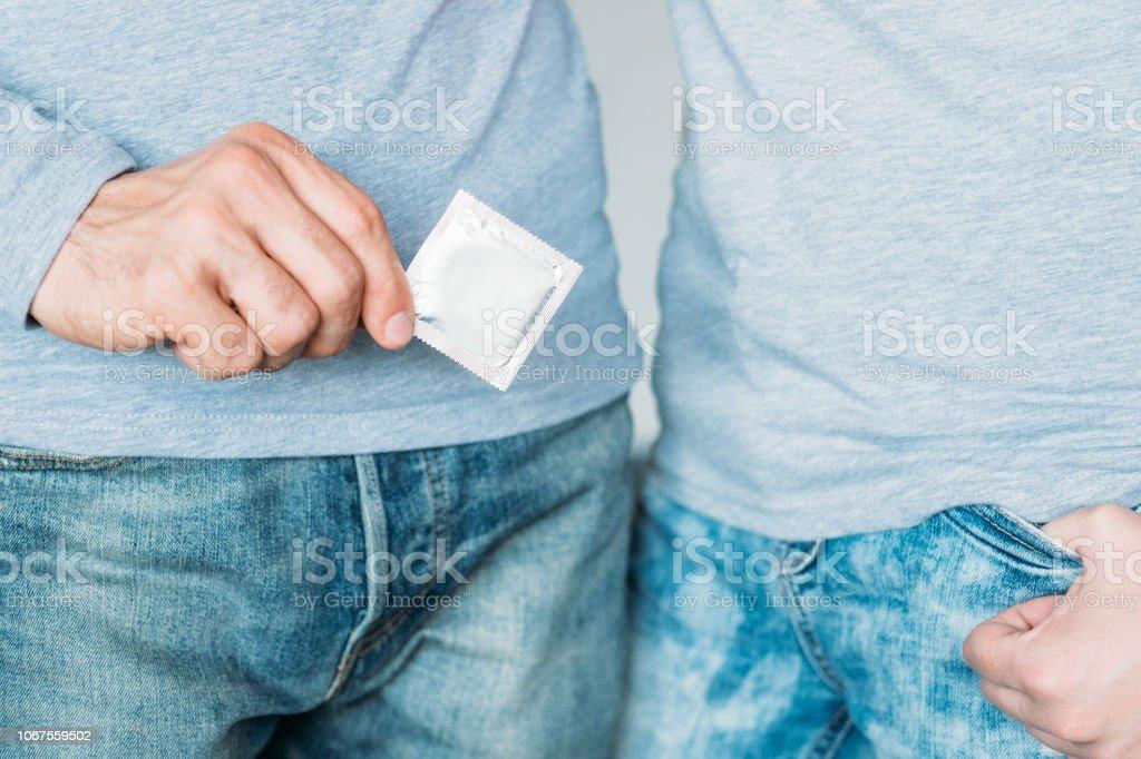 seguridad métodos anticonceptivos enfermedades de transmisión sexual - foto de stock