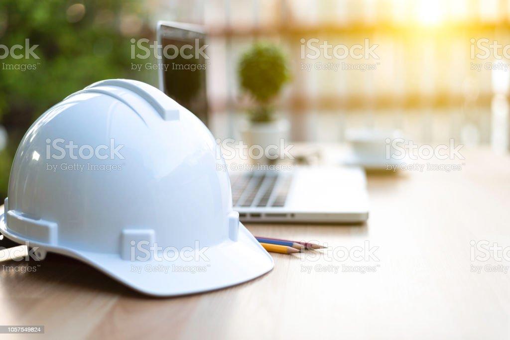 Schutzhelm für Ingenieur - Lizenzfrei Arbeit und Beschäftigung Stock-Foto