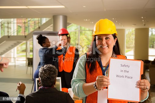 istock Safety in the workplace. Presentation to construction workers. 516511663