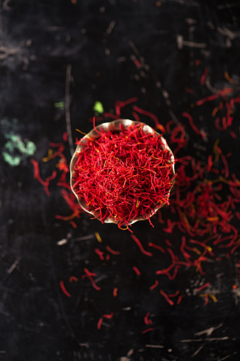 Saffron Space Threads In Vintage Silver Bowl Stock Photo - Download Image Now
