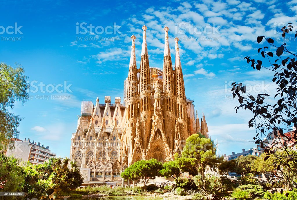 sagrada familia cathedral in barcelona stock photo   more free commercial use vector files free commercial use vector line icons thick
