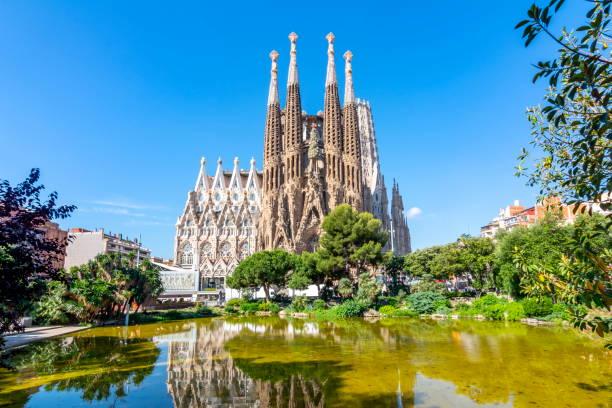 sagrada familia cathedral i barcelona, spanien - katedral bildbanksfoton och bilder
