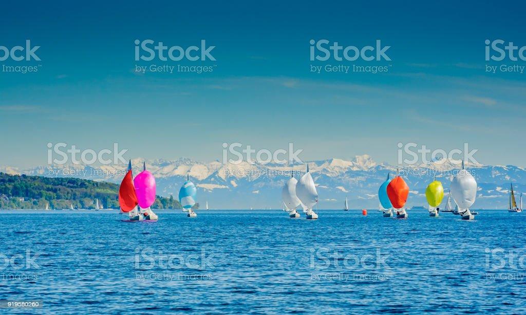 Segelschiffe in Chinook wind – Foto