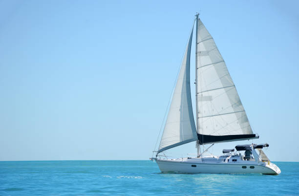 sailing a boat in the gulf of mexico - sail stock pictures, royalty-free photos & images