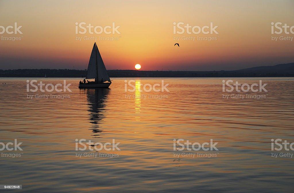 Segeln und Sonnenuntergang – Foto