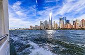 istock Sailing Away from Manhattan, New York 600382280