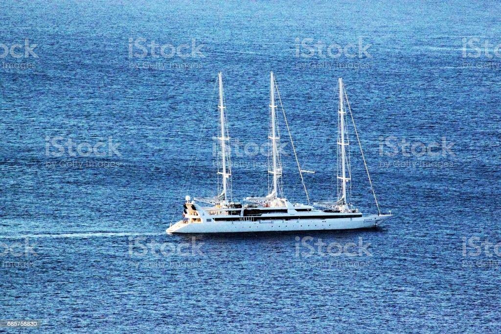 Sailing boat outside Sicily ロイヤリティフリーストックフォト