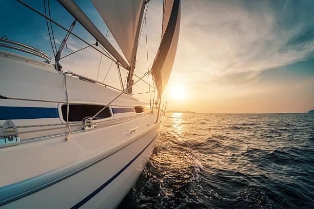 Navegación en yate  - foto de stock