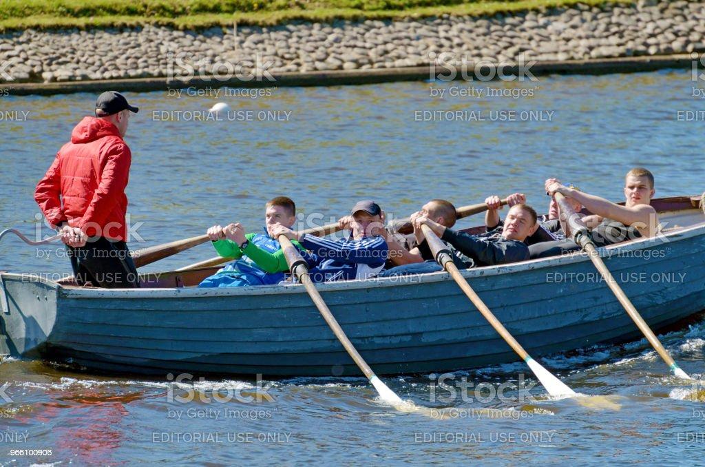 Zeilers concurreren op roeiboten. - Royalty-free Adrenaline Stockfoto