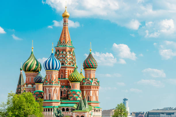 saint basil cathedral moscow in summer copy space russia - russia stock pictures, royalty-free photos & images