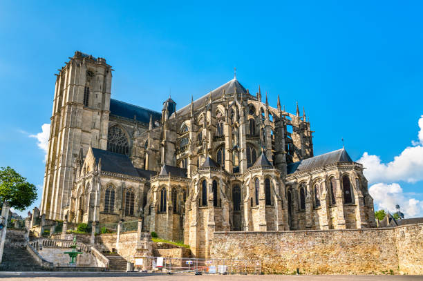 Saint Julien Cathedral of Le Mans in France Saint Julien Cathedral of Le Mans in Pays de la Loire, France romanesque stock pictures, royalty-free photos & images