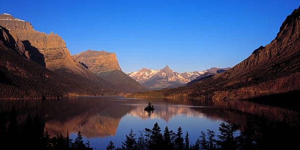 saint mary lake glacier national park - st. mary lake stock pictures, royalty-free photos & images