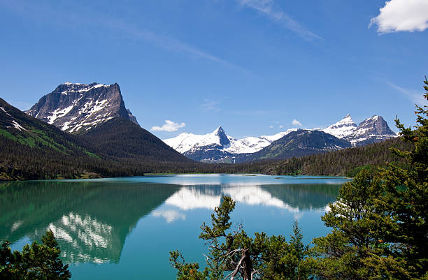saint mary's lake - going to the sun road stock pictures, royalty-free photos & images