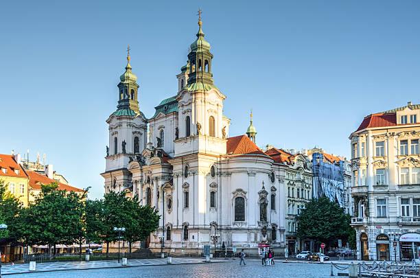 église saint-nicolas à prague, en république tchèque - saint nicolas photos et images de collection