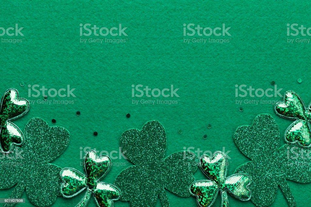 Frontera Del Saint Patricks Day Con Shamrock O Trébol En Fondo Verde ...