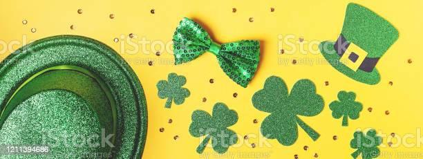 Saint patricks day holiday card with green shamrock symbols hat st picture id1211394686?b=1&k=6&m=1211394686&s=612x612&h=f7zzk3w4 0nvssdng1hftq3ftawd1fuq nukpao29as=