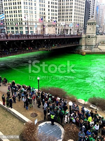 The Chicago river turned green in Saint Patrick's day.
