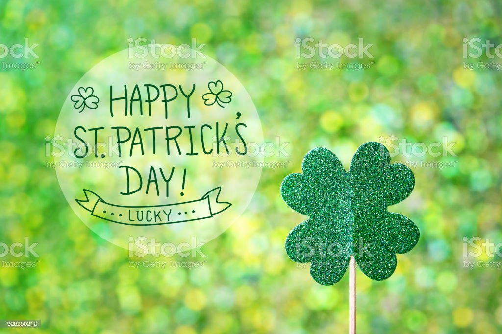 Trébol verde brillante Day de San Patricks - foto de stock