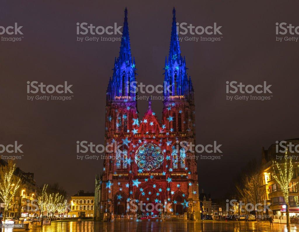 Saint Eglise SS Pierre et Paul dans la nuit - Photo