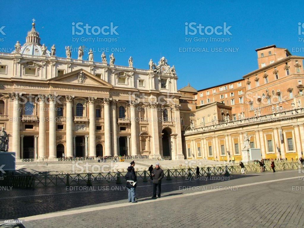 サン ピエトロ大聖堂バチカン宮殿 - イタリアのストックフォトや画像を ...
