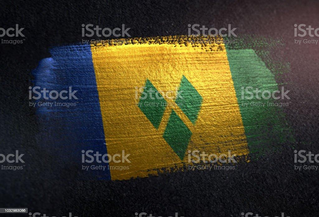 Bandeira de São Vicente e Granadinas, feita de tinta escova metálica na parede escura Grunge - foto de acervo
