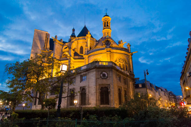 saint-eustache cathedral view from paris during the twilight - saint eustache church foto e immagini stock