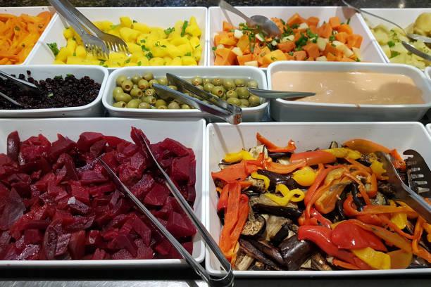 salatbuffet - italienische dressing mischung stock-fotos und bilder