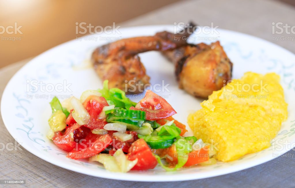 Salat ausgefallener Reissalat: die