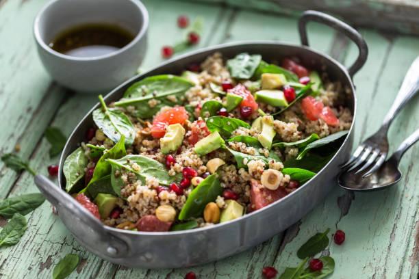 Salade d'hiver au Quinoa, Avocat, Orange Sanguine et Noix - Photo