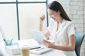 Sale of online asian woman special she is satisfied with sales success