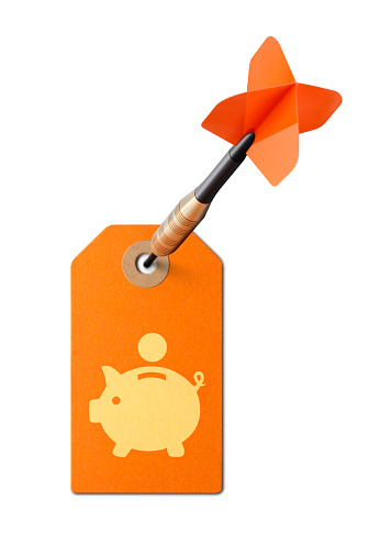 465048456 istock photo Sale. Piggy bank tag with dart on white background. 946762120
