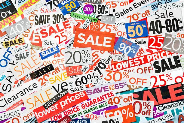 sale-beschilderung, tageszeitung und flyers clippings-aus dem 18. - matheblatt etiketten stock-fotos und bilder