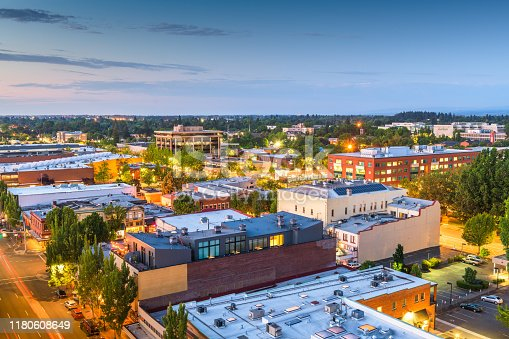 Salem, Oregon, USA downtown city skyline at dusk.