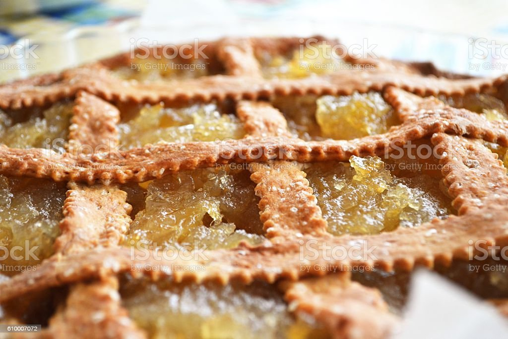 crostata di farro con marmellata di limoni stock photo
