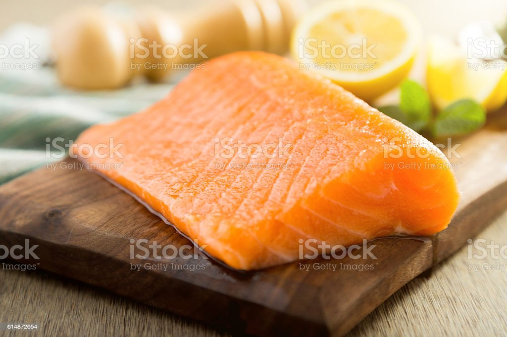 Salmon fish steck on the cutting board - foto de acervo
