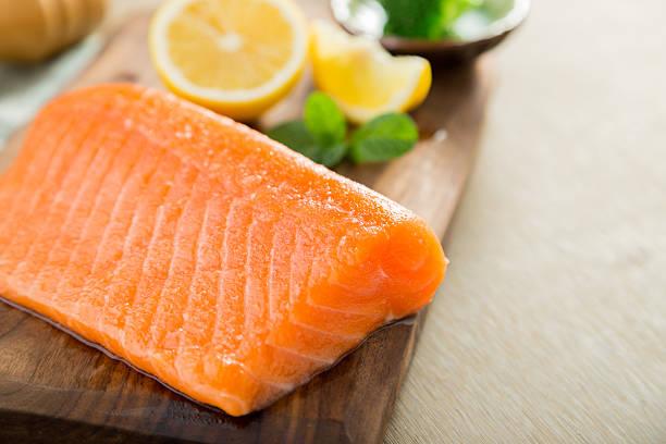 Salmon fish steck on the cutting board – Foto