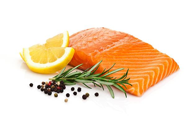 salmon steak  - lachs meeresfrüchte stock-fotos und bilder