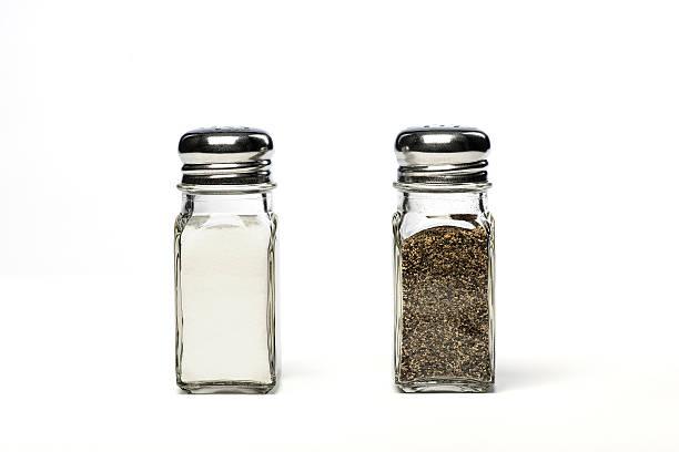 salt and pepper shakers - tane biber stok fotoğraflar ve resimler