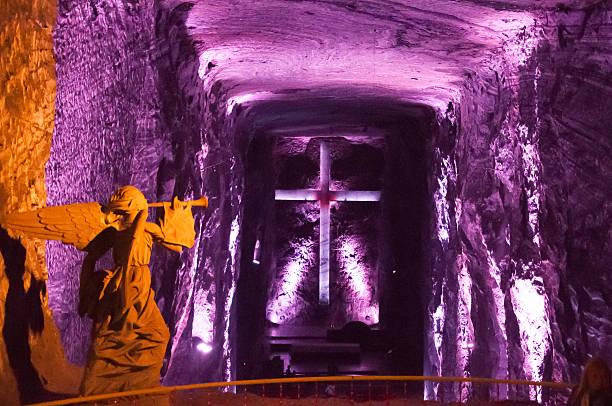 salt-kathedrale - engelportal stock-fotos und bilder