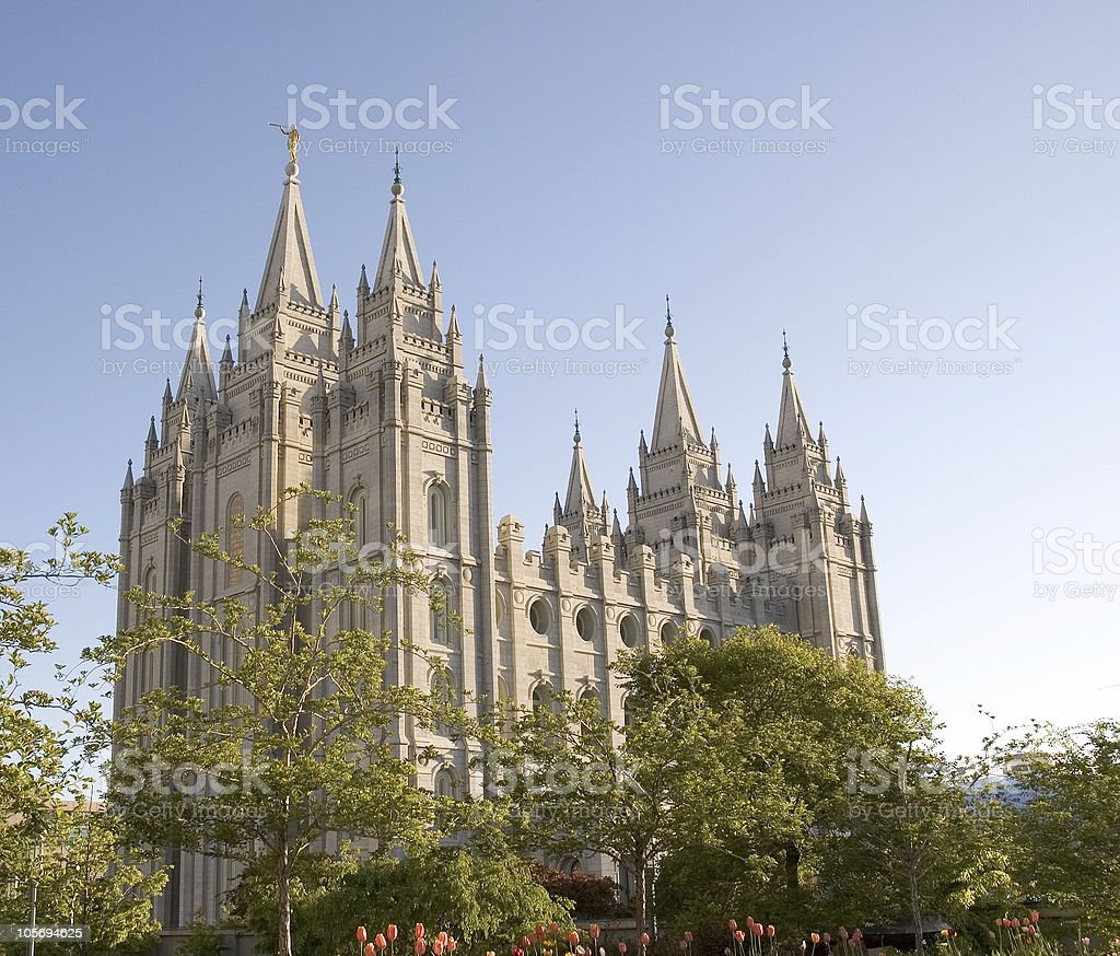 Salt Lake City Spring: Templo De Salt Lake City Y Con Flores De Primavera Y