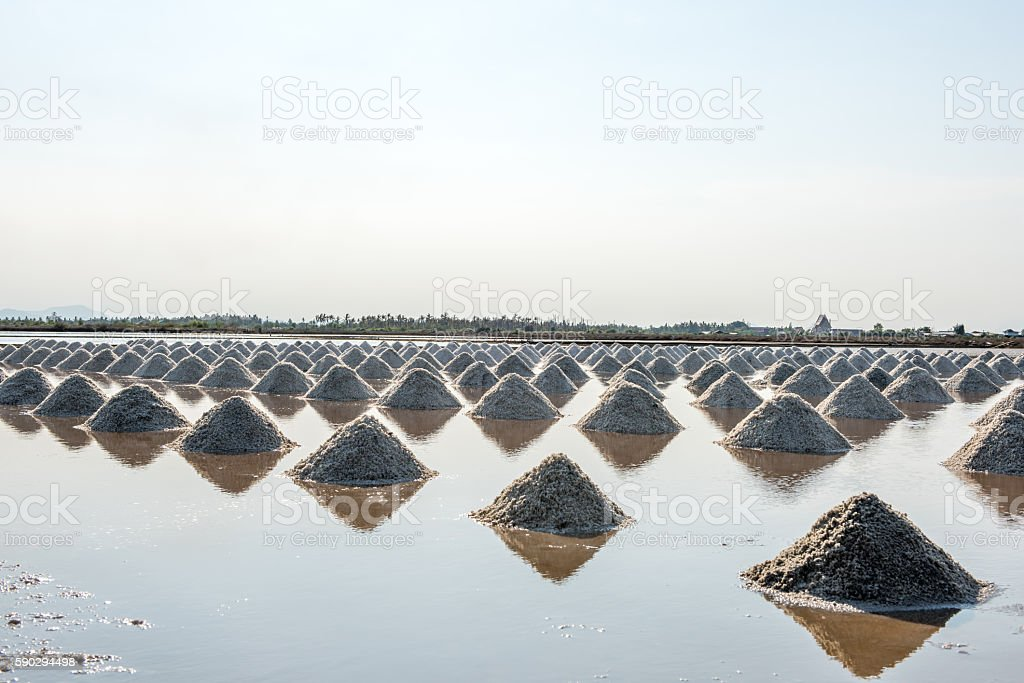 Salt of piles saline in Thailand royaltyfri bildbanksbilder