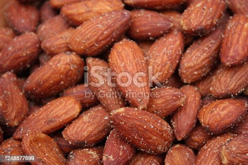 Salted almonds for Aperitif