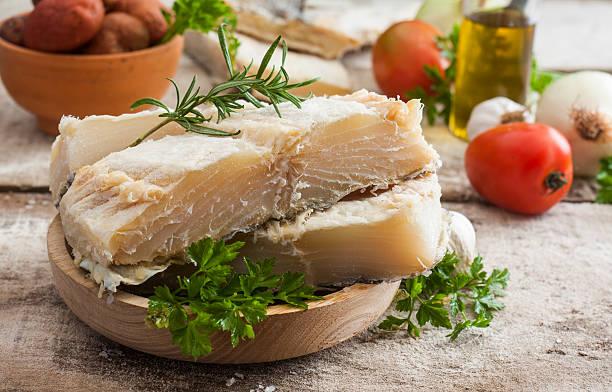 salgados bacalhau - cod imagens e fotografias de stock
