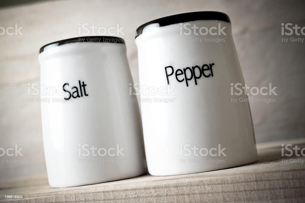 Salzstreuer stehen und Pfeffer pot, Nahaufnahme – Foto