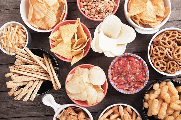 salty snacks - atıştırmalıklar stok fotoğraflar ve resimler