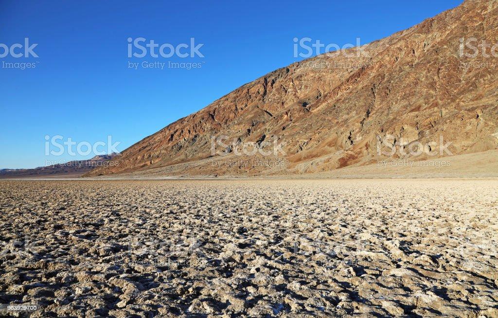 バッドウォーターの塩味の表面 - アメリカ合衆国のロイヤリティフリーストックフォト