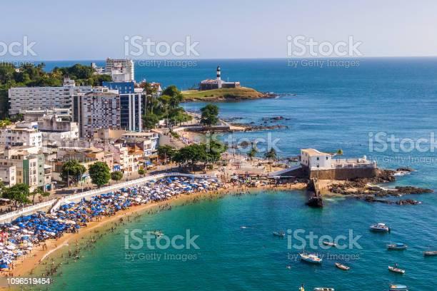 Salvador da bahia brazil aerial view of porto da barra beach and picture id1096519454?b=1&k=6&m=1096519454&s=612x612&h=iqaiz6i fcmcisq l5wi70dnljw53dodkmtsiclzxgm=