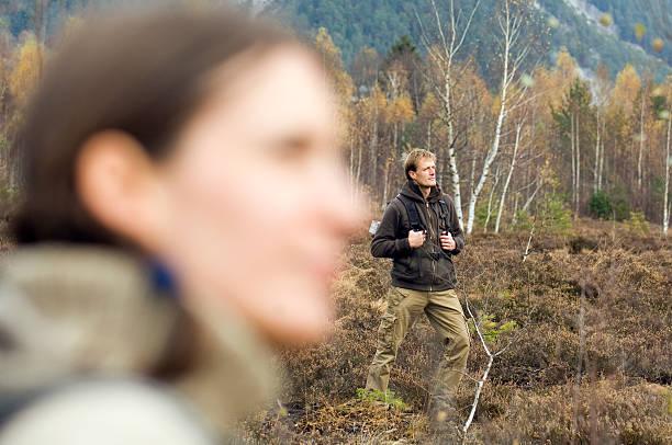 salzburg county, young couple hiking - stay tuned bildbanksfoton och bilder