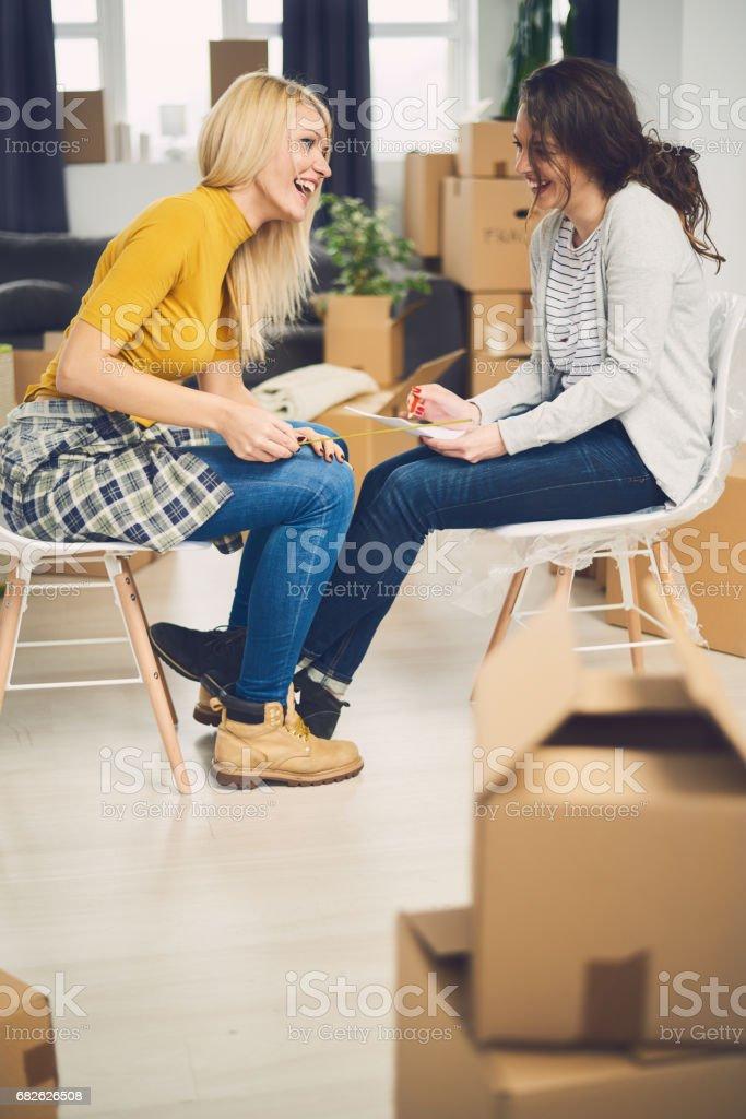 Photo libre de droit de Maison Mobile De Couple De Même Sexe